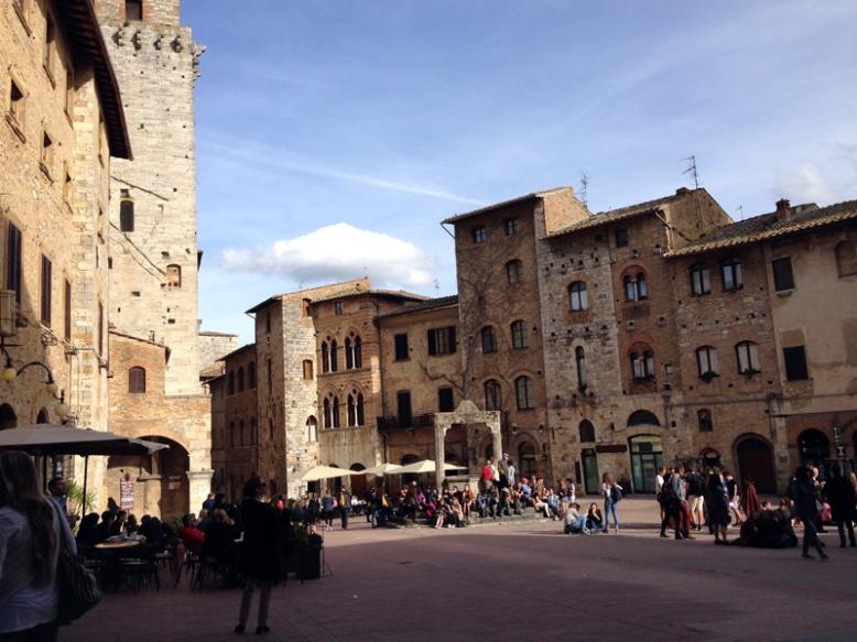 St Gimignano 5_Piazza della Cisterna